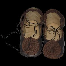 Wonderful Old Doll Shoes Fancy W/ Pom Pom's Perfect for your French Doll