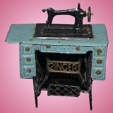Old Metal Miniature Doll Dollhouse Singer Sewing Machine Soft Metal