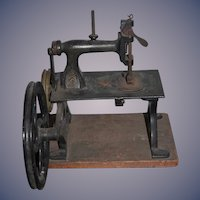 Old Doll American GEM Miniature Ornate Sewing Machine Rare Speed Enhancing Wheel