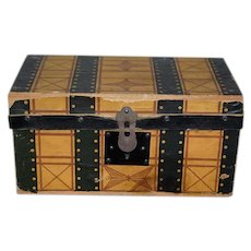 Antique Doll Litho Trunk W/ Removable Tray and Key Miniature SWEET!