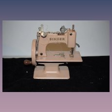 Old  Singer Sewing Machine SEWHANDY Child's/ Doll Size Working Sewing Machine in Box Wonderful 20