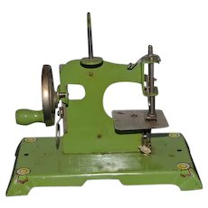 Old Miniature Doll Child's Sewing Machine Germany Tin Metal Sweet Litho