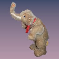 Steiff Standing Jumbo Elephant (Limited Edition) Moving Head
