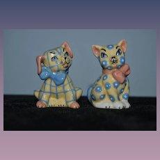 Vintage Cat & Dog Salt and Pepper Shakers Set Ceramic Arts Studio Figurine Adorable Pattern