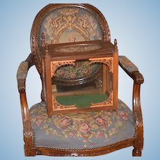 Wonderful Doll Old Wood & Glass Carved Diorama Room Box Wonderful Glass Top For Miniatures