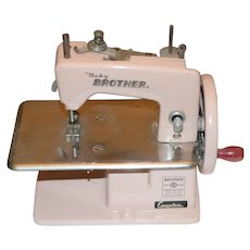 Old PINK Baby Brother Miniature Sewing Machine Cragston