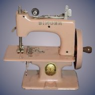 Old Singer Sewing Machine Great Britain Miniature Working! Child's Doll