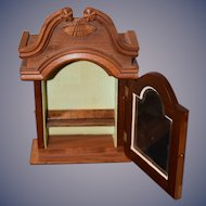 Wonderful Doll Miniature Wood Dovetailed Glass Front Cabinet Winterthur Ornate