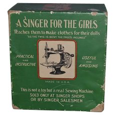 Old Miniature Singer Sewing Machine 20 In Original Box Child's WORKS!