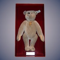 Vintage Steiff Teddy Bear Richard Steiff Margarete Steiff Mohair in Original Box W/ Steiff Bear Pin