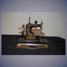 Vintage Miniature Child's Dolls Sewing Machine Casige WORKS!