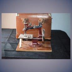 Old Essex English Sewing Machine in Original Case Miniature Working