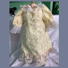 Sweet Vintage Doll Dress Hand Made gorgeous Lace