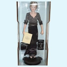 Vintage Diana Princess of Wales MINT in BOX Porcelain Gorgeous W/ Papers Accessories