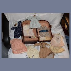 Wonderful Doll Trunk W/ Doll Clothing Hats Dresses Wonderful For Petite Doll