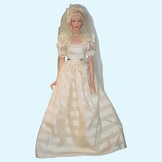 Vintage Robert Tonner Bride Doll Gorgeous Artist Doll