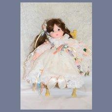 Robin Woods Doll Sarah Elizabeth 1990 Cloth Doll Mint in Box
