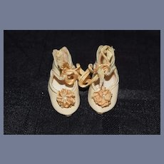 Vintage Beautiful Doll Shoes W/ Flowers Button Hook
