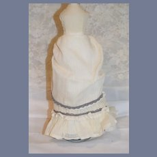 Gorgeous Fashion Doll Skirt With Fancy Puffy Back