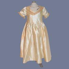Cream Silk Short Sleeved Doll Gown