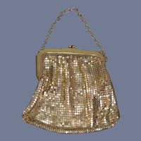 Vintage Whiting and Davie USA Beautiful Gold Toned Mesh Metal Doll Coin Purse