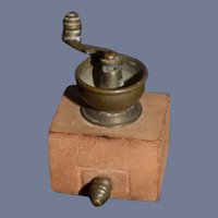 Miniature Dollhouse Wheat Grinding Coffee Grinder Machine