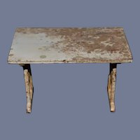 Small Cast Iron marked ARCADE Small White Metal Table 3 inches tall