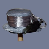 """Vintage Artist Beautiful Blue Velvet Doll Hat With Green Feather 10"""" circumference"""