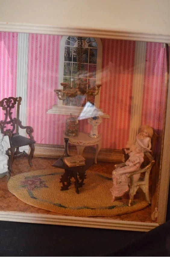 Miniature Children S Bedroom Room Box Diorama: Antique Doll Miniature Room Diorama Dollhouse W/ Doll