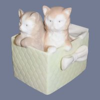 Wonderful Vintage Porcelain Kittens in a Box Daisa Made In Spain Figurine Adorable