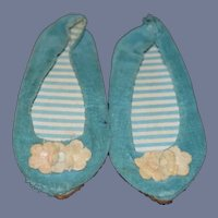 """Vintage Chatty Cathy 1960's Pair of Little Teal Velvet Doll Shoes 4.5"""""""