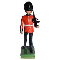 """Miniature Painted """"Beefeater"""" British Soldier"""