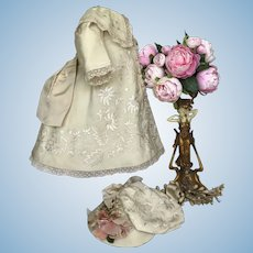Dress costume hat for antique French doll bebe