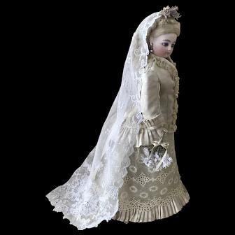 Beautiful bridal ensemble for antique poupee