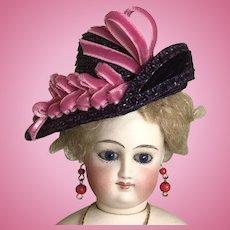 "Purple straw asymmetrical hat for 12"" French poupee"