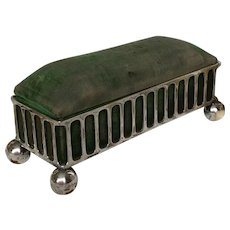Late Victorian hat pin / hair pin box in green velvet and silver plate EPNS