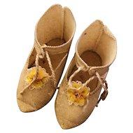 Pale creamy Yellow fabric Jumeau shoes size 9