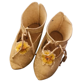 Yellow cloth Jumeau shoes size 9