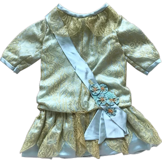Sale : Blue silk and gold Chantilly lace dress