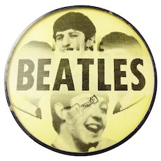 1964 I Like Beatles Scarce Light Yellow Vari-Vue Flasher Lenticular Pinback Button