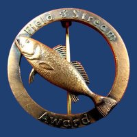 Field & Stream Fishing Award Badge Pin Weakfish ca. 1950's