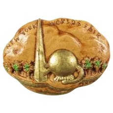 1939 New York World's Fair Trylon & Perisphere SyrocoWood Souvenir Pin