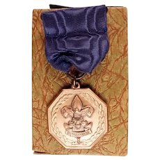 Boy Scout Outstanding Jr. Officer Medal Named Dated 1943 With Box