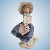 Lladro #5222 Pretty Pickings