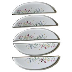 Vintage set of 5 Japanese crescent shaped dishes for snacks or appetizers in original box