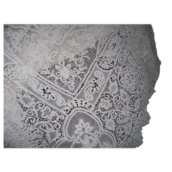 """Antique Hand-Made Needle Lace Figural & Winged Angels Tablecloth 55"""" x 102"""""""