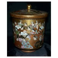 Antique Exquisite Japanese Kutani Satsuma Covered Jar with 100 Men & Women  Meiji period