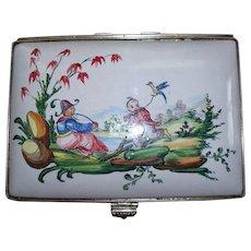 "Antique French Faience Edme Samson et Cie ""Veuve Perrin"" Large Dresser Chinoiserie Box  ca. 1865"