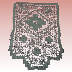 "Antique Hand Made Filet Lace Doily 6,5"" x 9,5"""