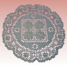 "Antique Hand Made Filet Lace Doily 11"" diameter"